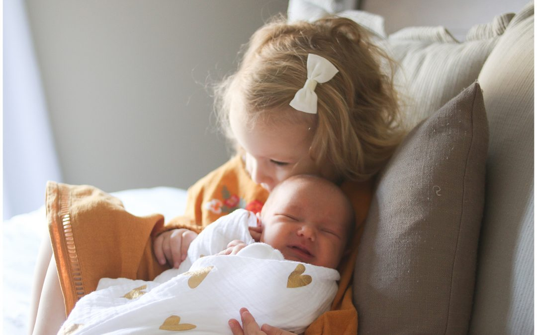MASSACHUSETTS NEWBORN PHOTOGRAPHER | SMALTZ FAMILY WELCOMES BABY HAZEL