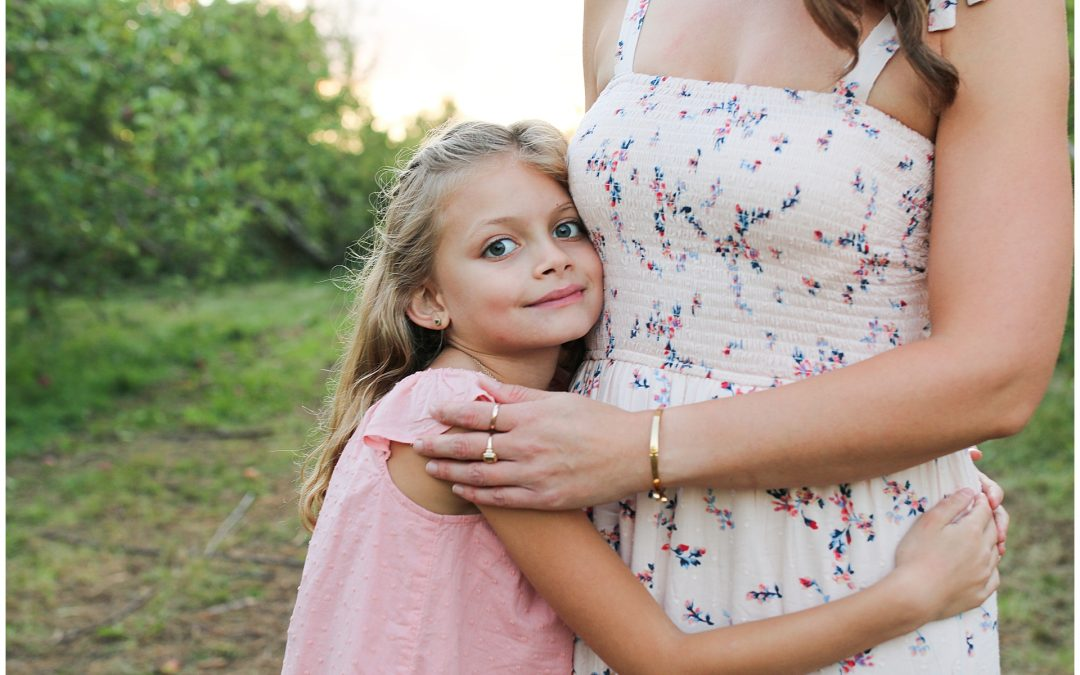 NEW HAMPSHIRE FAMILY PHOTOGRAPHER | MIRANDA, POPPY & ROSIE